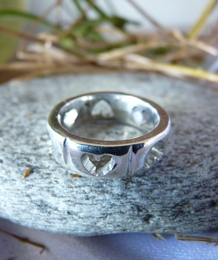 Sterling silver heart ring band - made in NZ image 3