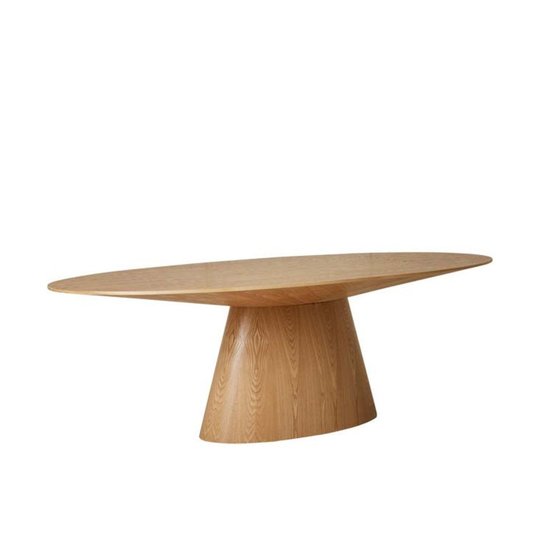 Classique Oval Dining Tbl image 2