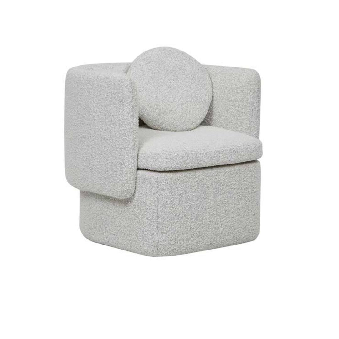 Hugo Bow Occ Chair image 11