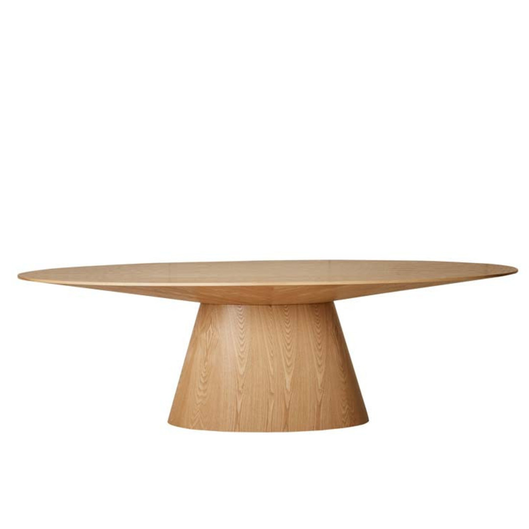 Classique Oval Dining Tbl image 1