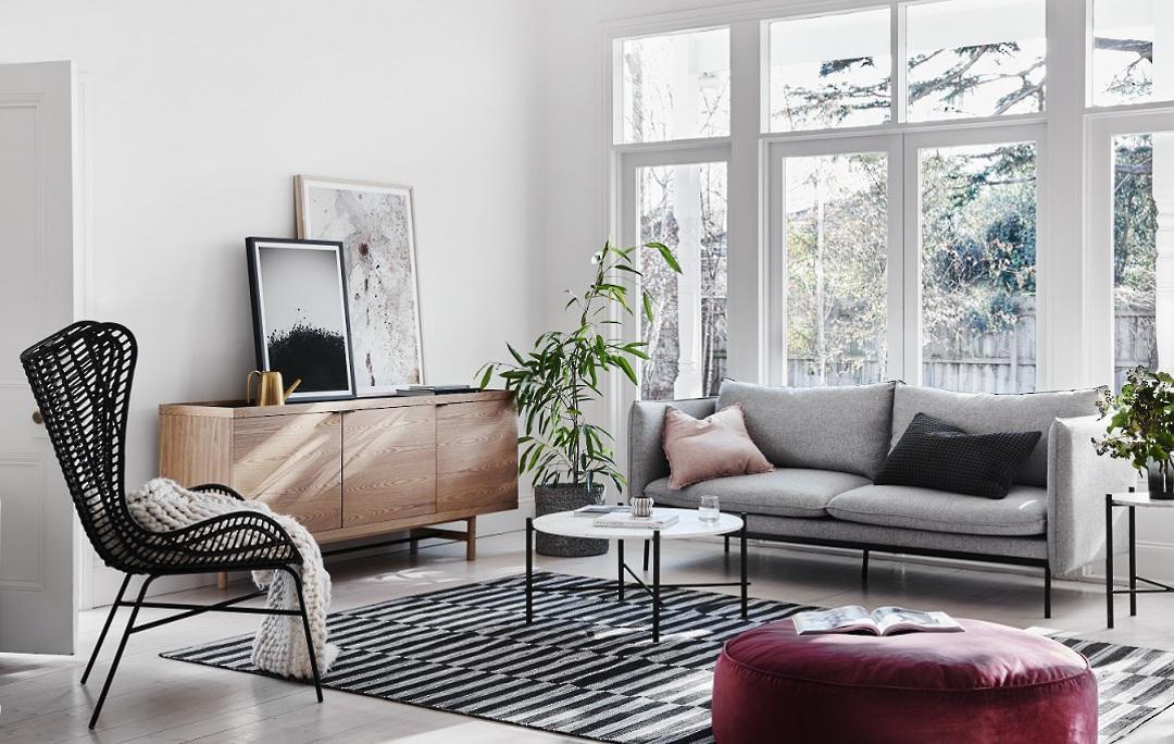 Vittoria Curve 3 Seater Sofa image 10