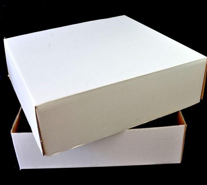 """Cake Boxes, 17""""x17""""x5"""" (2 Part Base & Lid) - Accommodates 1/2 Slab Block Cake (10) image 0"""