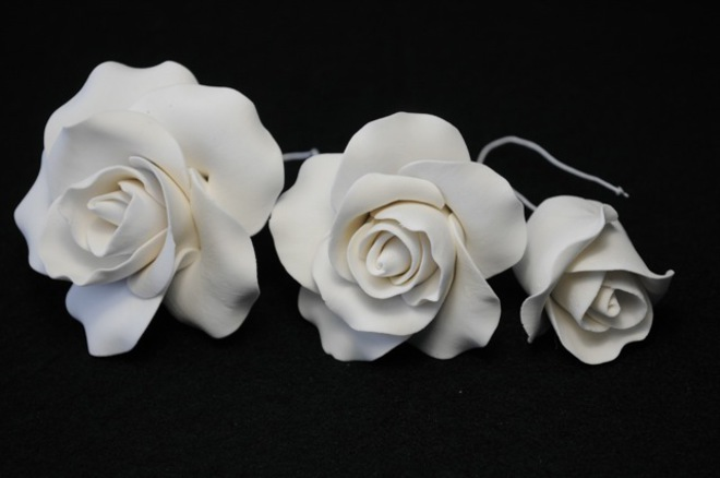 Icing White Rose Mix, 25mm. 45mm, 65mm roses (box 24) image 0