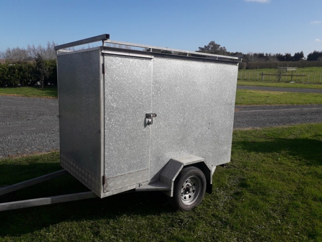 Enclosed Builders Trailer image 0