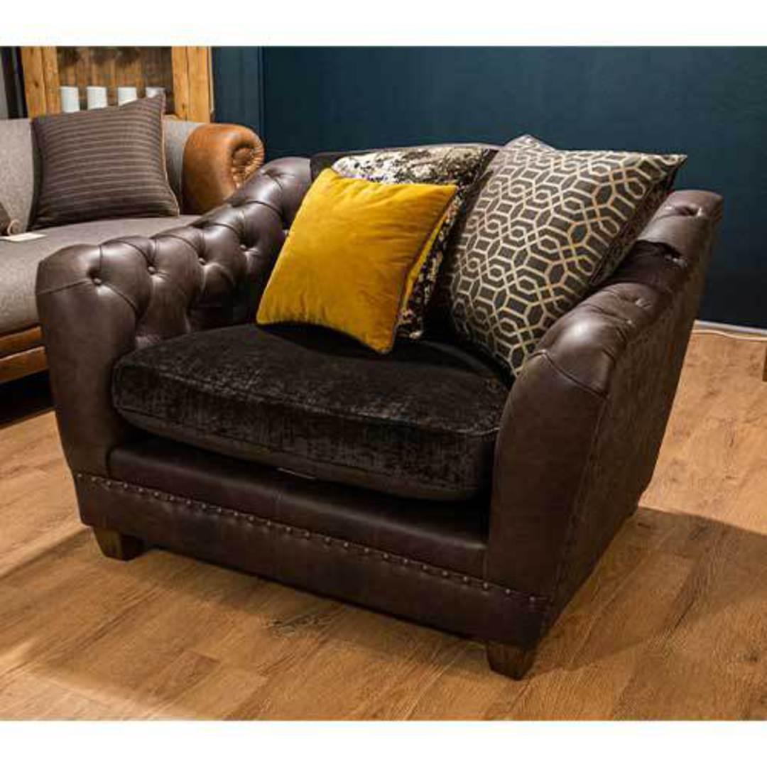 East Snuggler Chair image 4