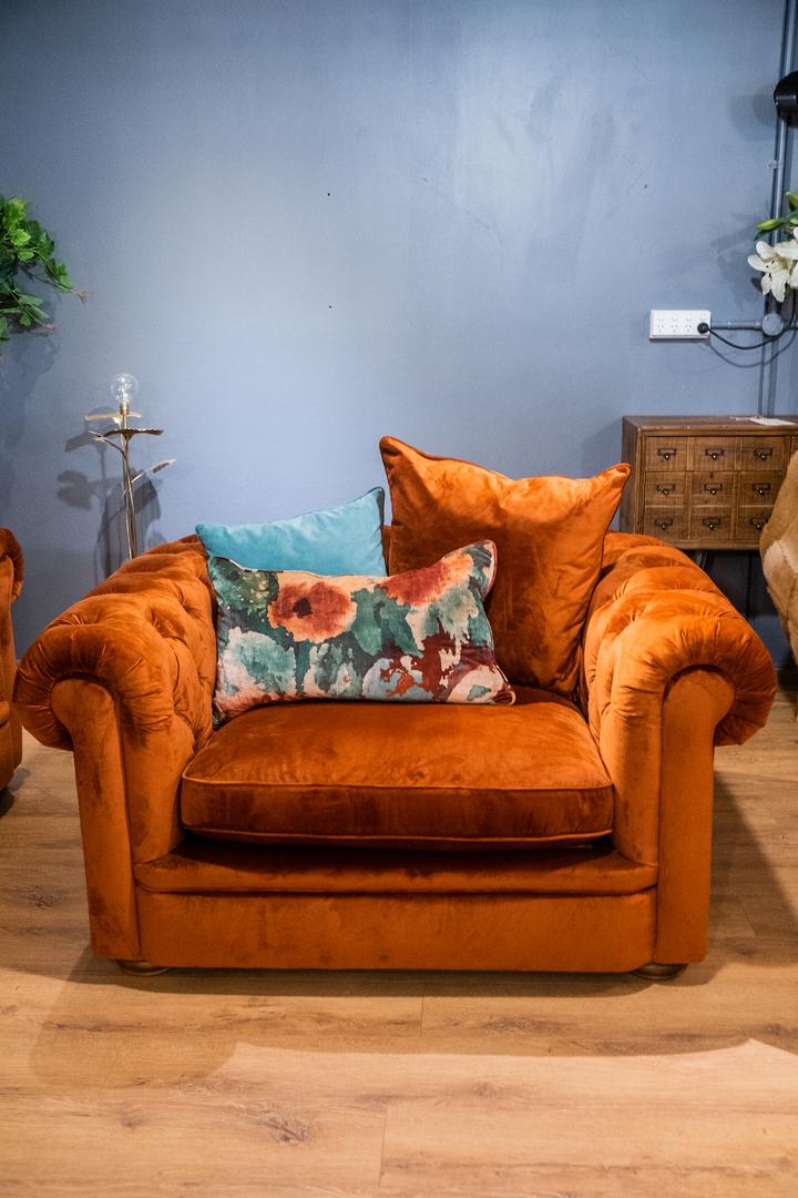 Botanist Snuggler Chair image 5