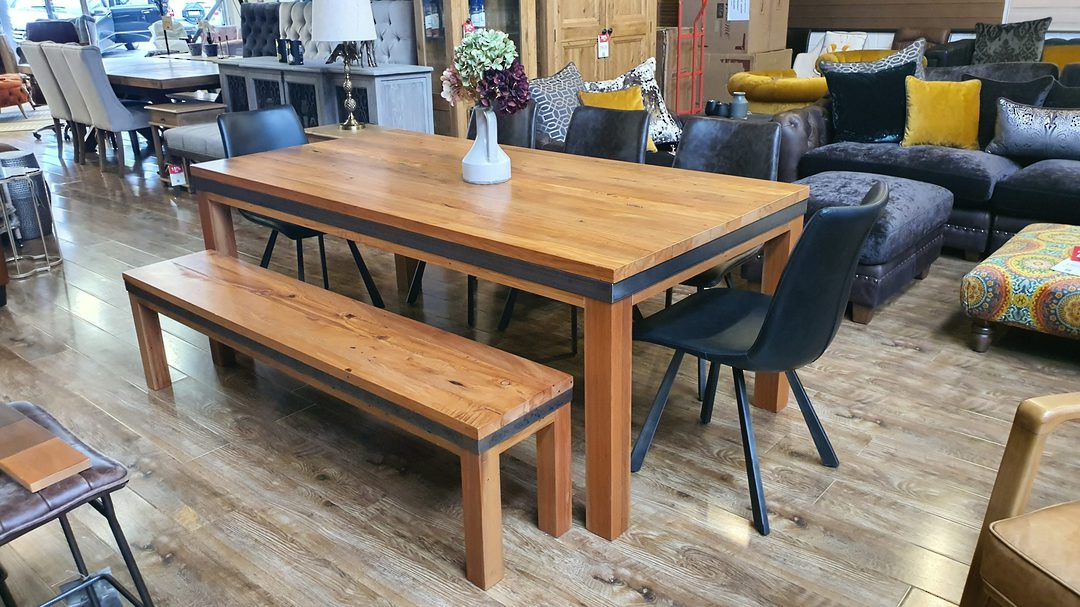 Avantgarde Dining Table 2M image 10