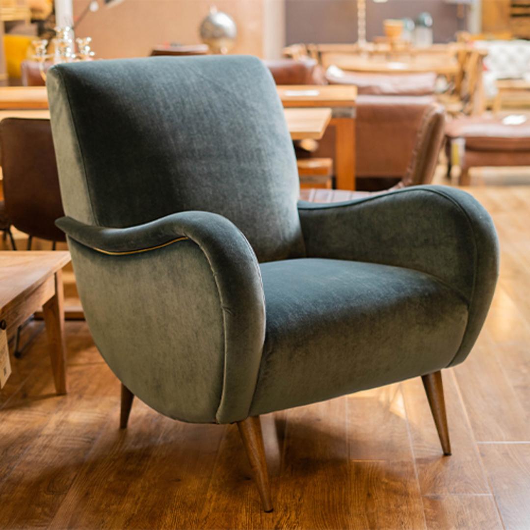 Lonnie Chair image 1