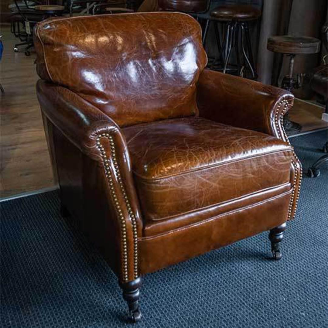 Sandringham Aged Italian Leather Armchair image 6