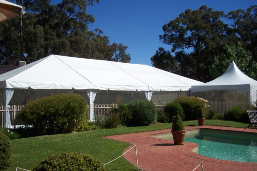 10 x 20m Clipframe Marquee image 0