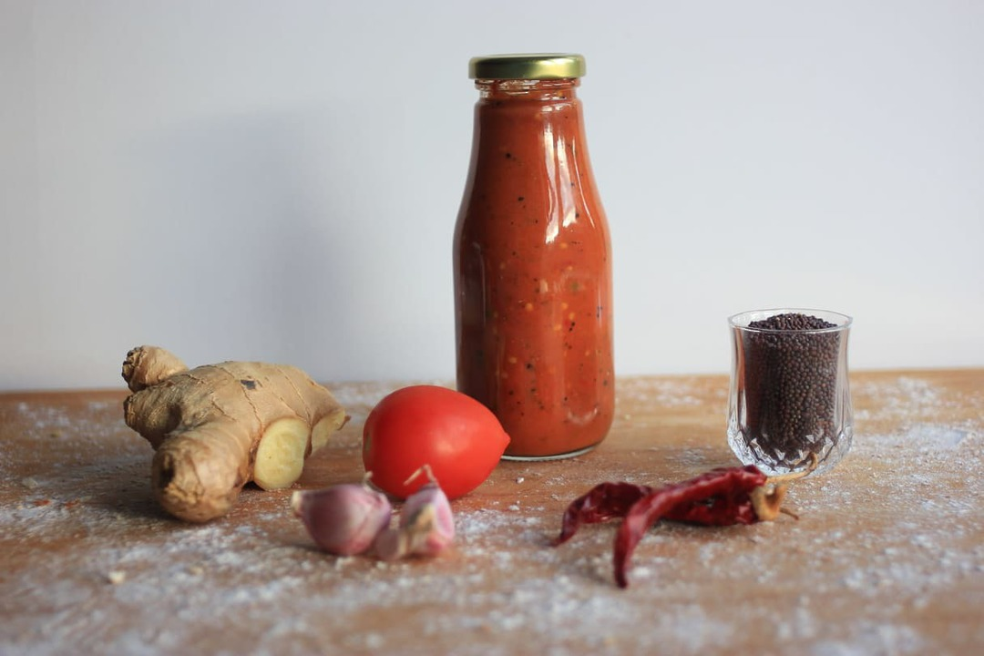Mamma's Hot and Spicy Tomato Sauce image 0