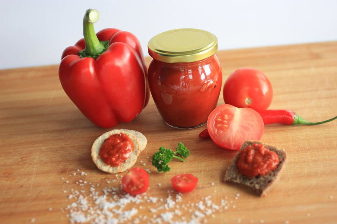 Roasted Capsicum and Tomato Paste mild spicy image 0