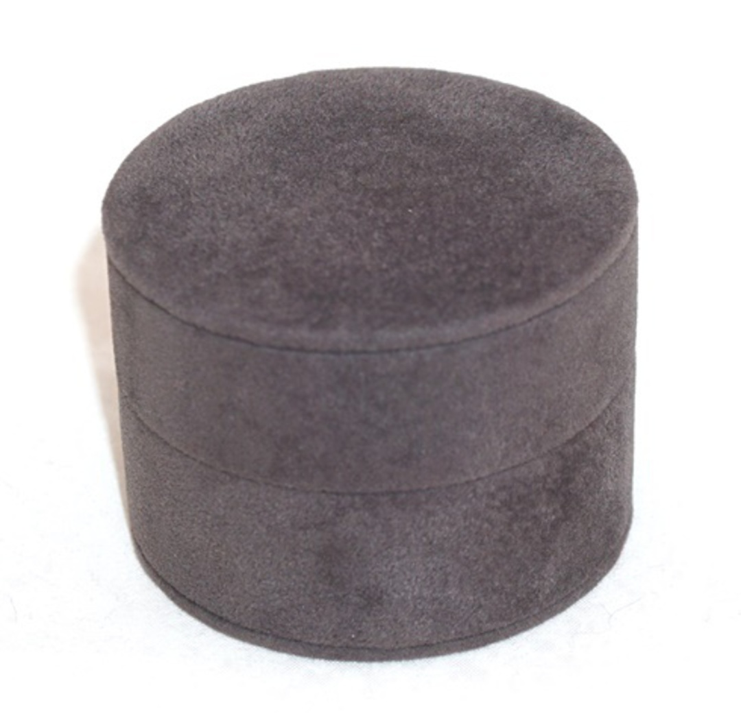 DELUXE ROUND RING BOX CHARCOAL SUEDE image 0