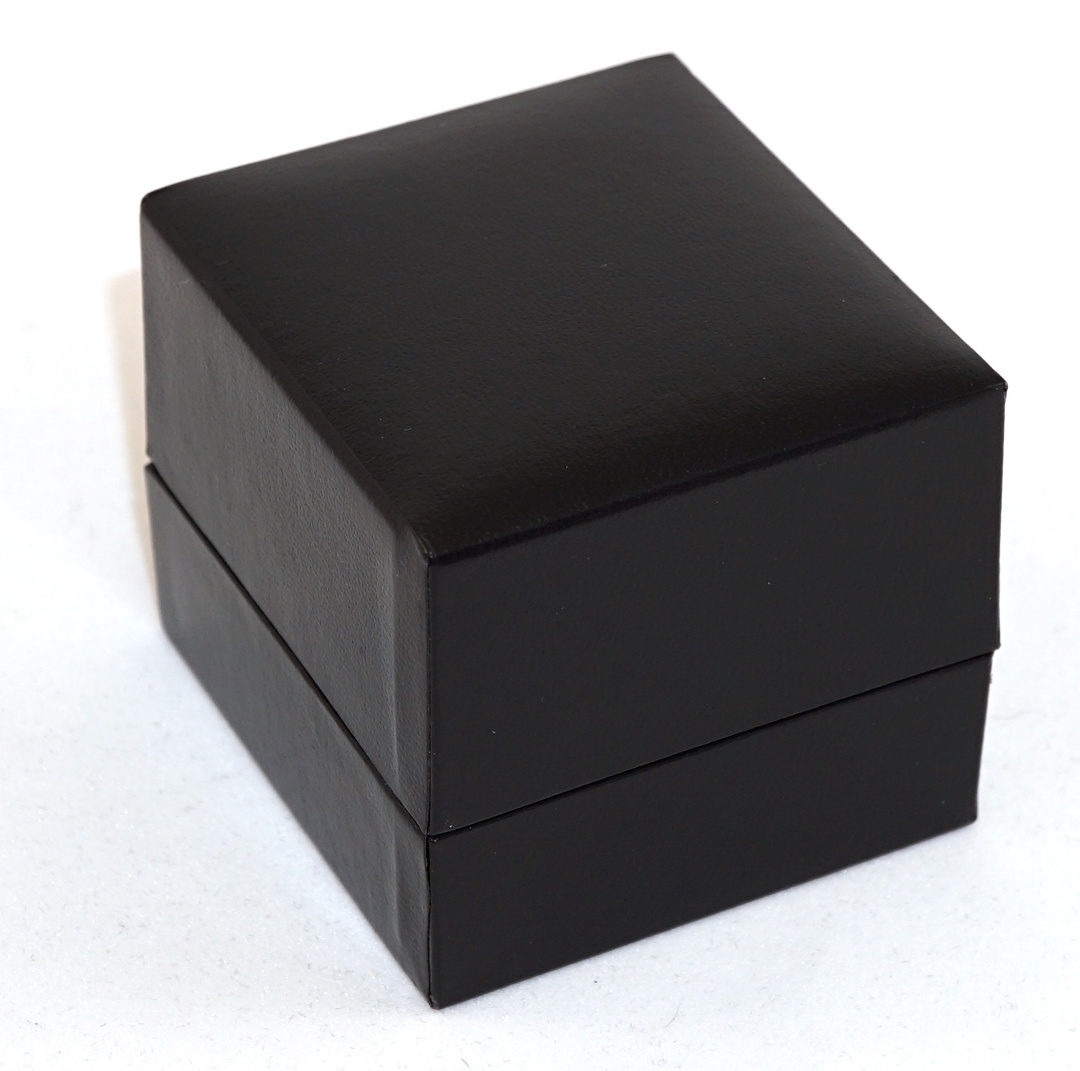 SDR - RING BOX LEATHERETTE BLACK NO LINE WHITE VELVET PAD image 1