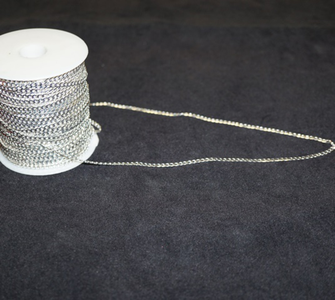 FLAT CHAIN FINE CURB SILVER PLATED 3.1X5MM (1 MTR) image 0