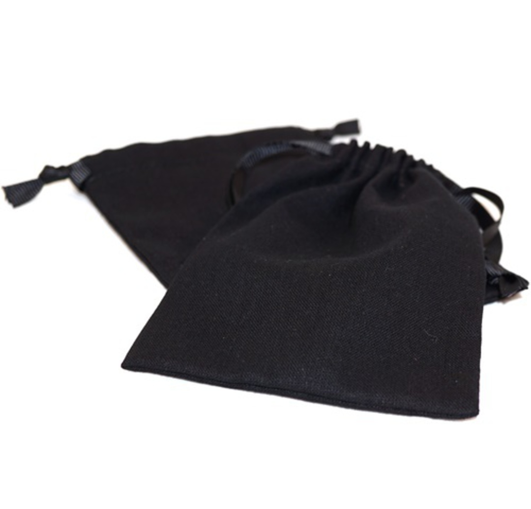 LARGE CALICO POUCH BLACK/BLACK RIBBON 95 X 130 MM image 0