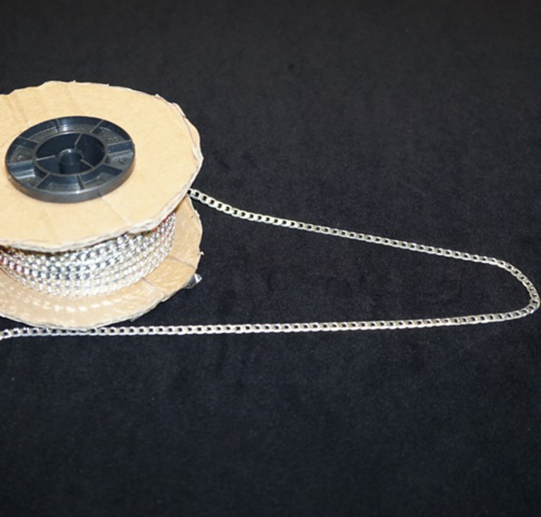 FLAT CHAIN HEAVY CURB SILVER PLATED 5X7.4MM (1 MTR) image 0