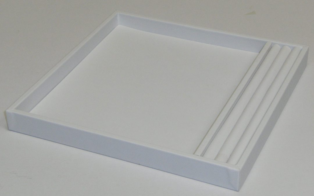 SMALL PRESENTATION/DISPLAY TRAY W/ROLL WHITE VINYL image 0