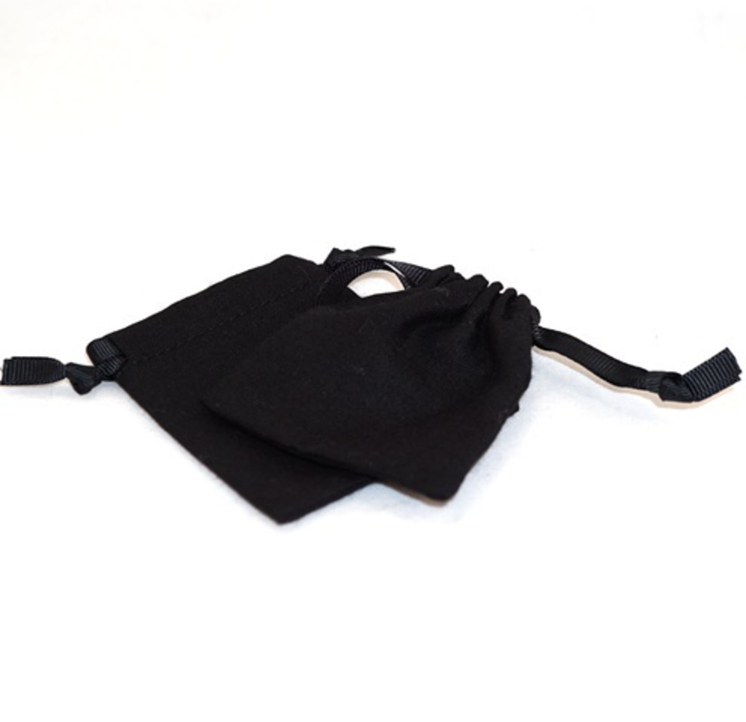 SMALL CALICO POUCH BLACK/BLACK RIBBON 70 X 80 MM image 0