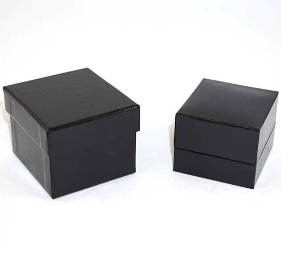 SDR PREMIUM - RING BOX LEATHERETTE BLACK TWO TONES INSERTS & OUTER BOX image 0