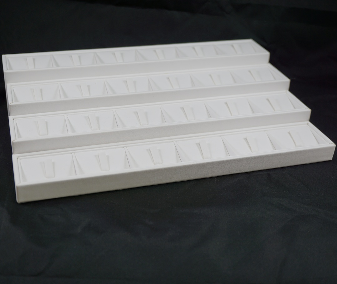 RING DISPLAY BLOCK 6 CLIPS WHITE VINYL (SIZE 4) image 1
