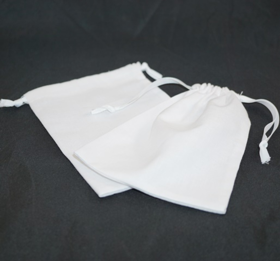 XL CALICO POUCH WHITE/WHITE RIBBON 115 X 160MM image 0