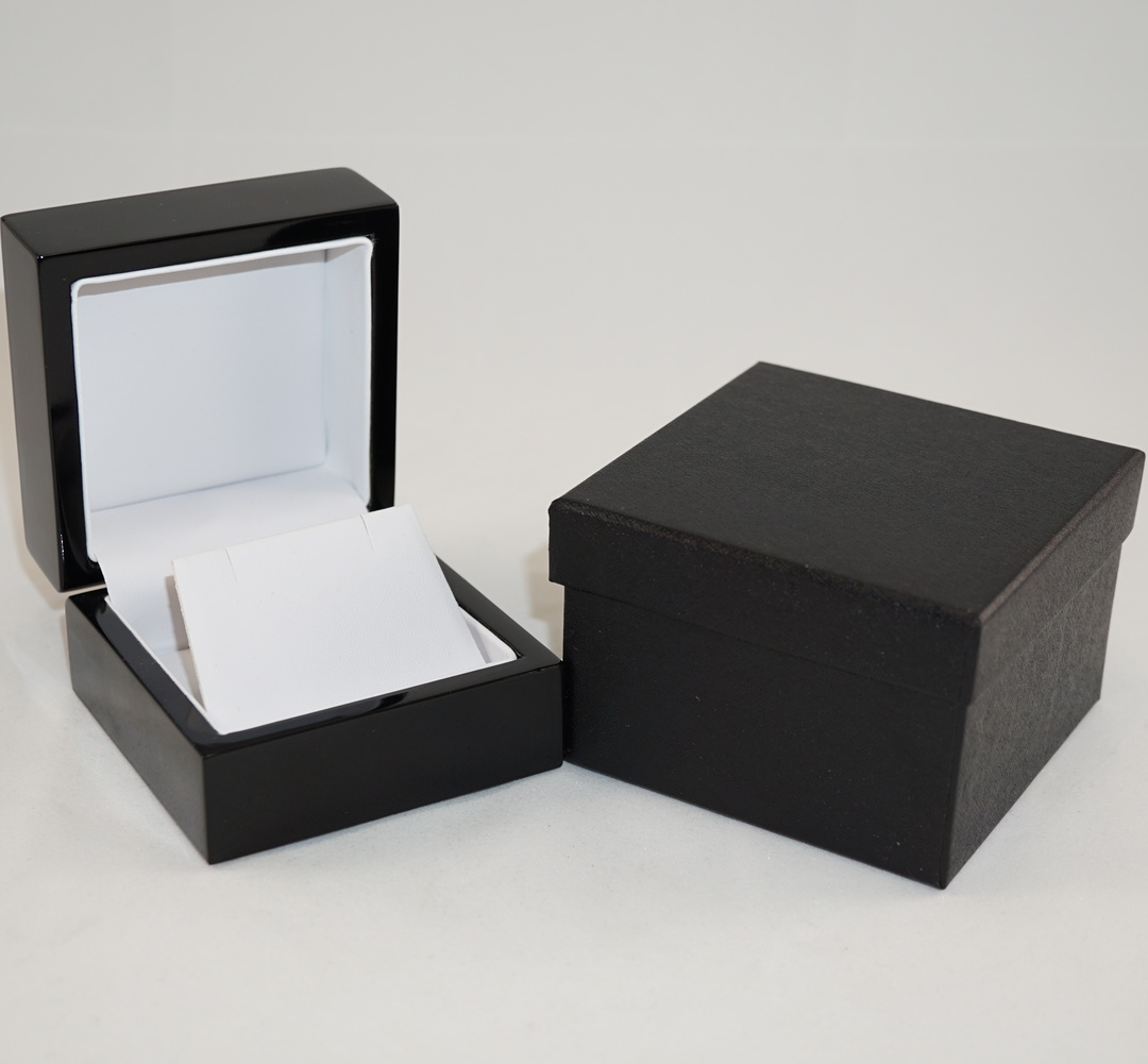 EARRING BOX GLOSS BLACK WOOD WHITE FLAP image 0