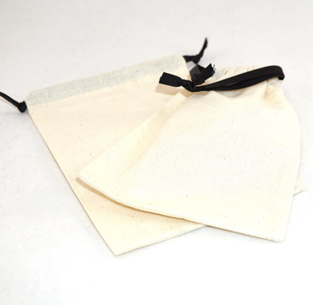 XL CALICO POUCH CREAM/BLACK RIBBON 115 X 160MM image 0