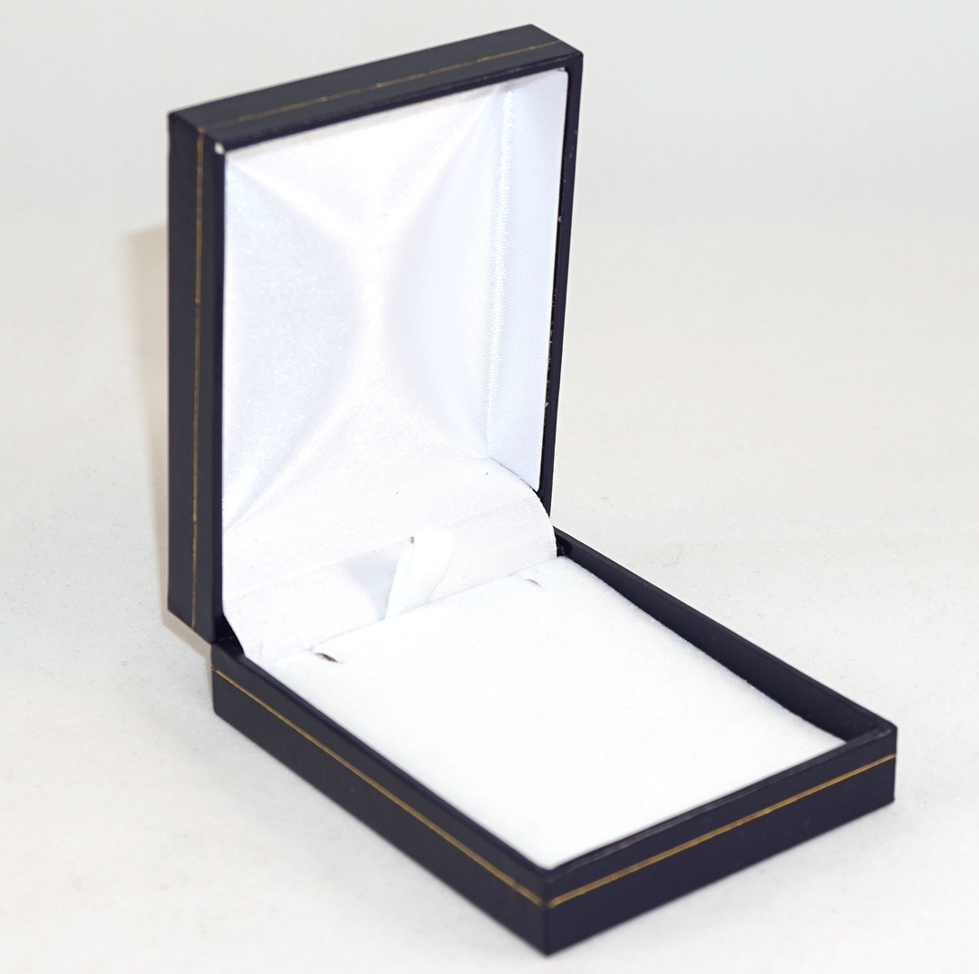 SC17 - MEDIUM PENDANT/EARRING BOX LEATHERETTE NAVY WHITE VELVET PAD BULK DEAL (24 PCS) image 0