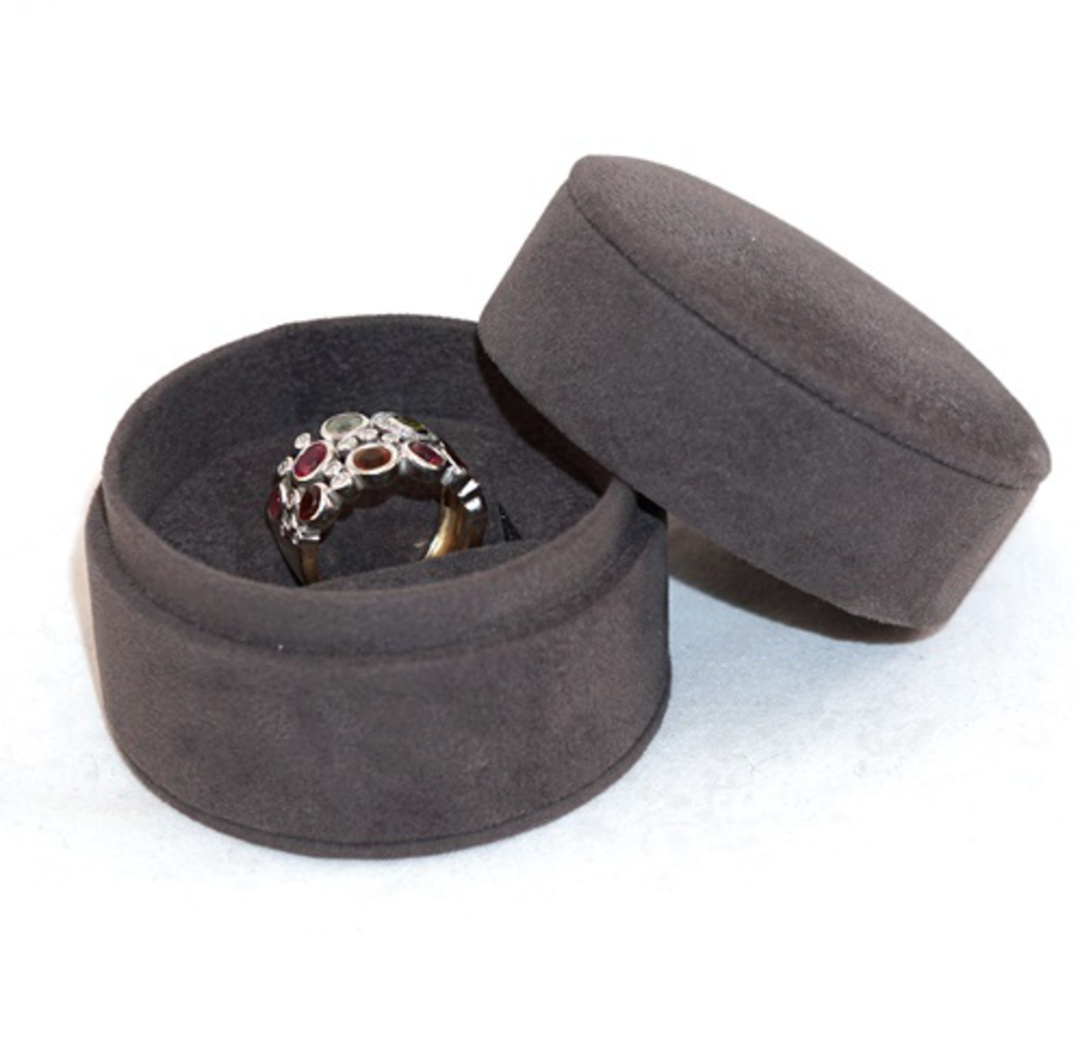DELUXE ROUND RING BOX CHARCOAL SUEDE image 1