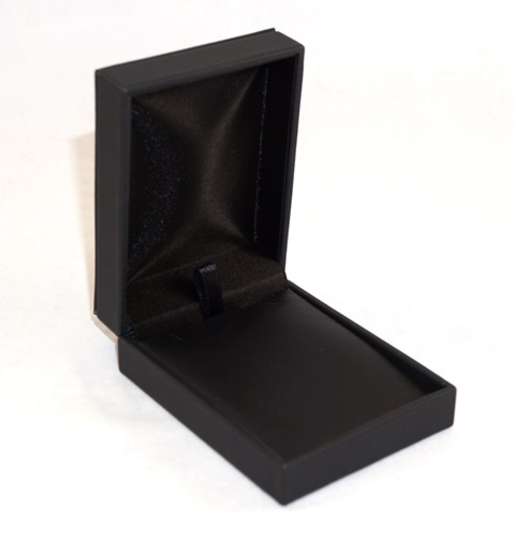 IMP - PENDANT/DROP EARRING BOX IMITATION LEATHER BLACK BLACK VINYL PAD image 0