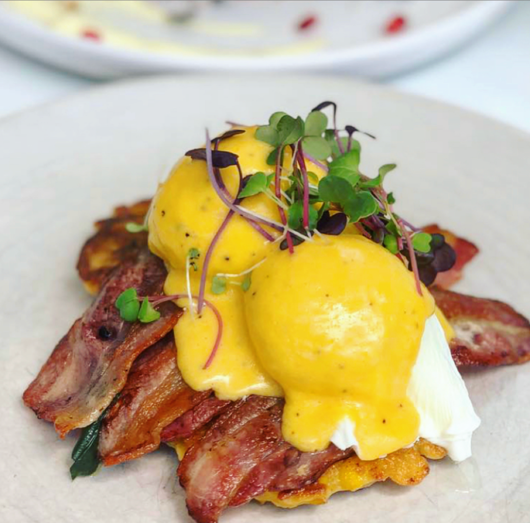 Eggs Benedict with Bacon image 0