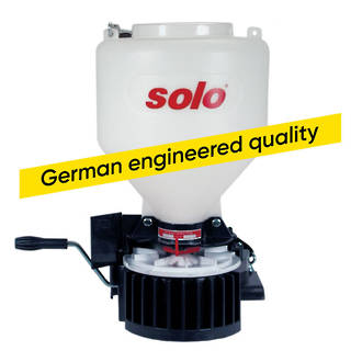 Solo 421S Fertiliser Spreader