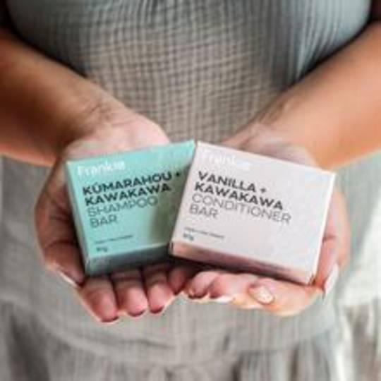 Frankie Apothecary Kumarahou+Kawakawa Solid Shampoo Bar