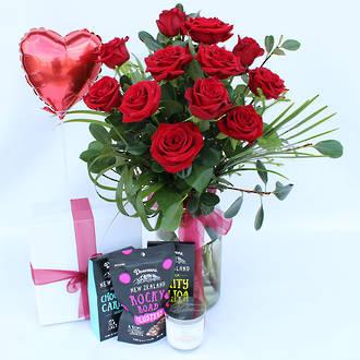 12 Luxury Red Roses Vintage Jar & Gift