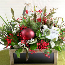 Christmas Inspired Flora Table Centrepiece