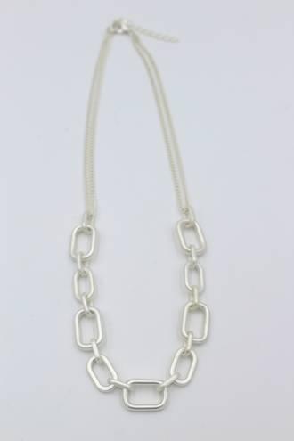 Zoey Silver Necklace