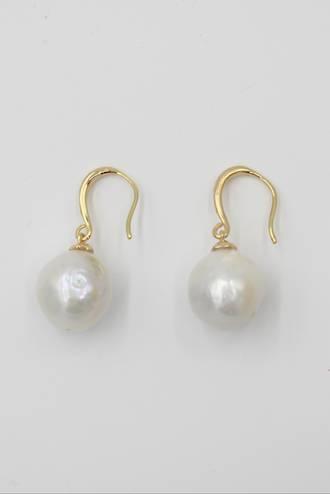 Goldie Pearl Earrings