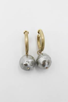 Powder Baroque Pearl Earring