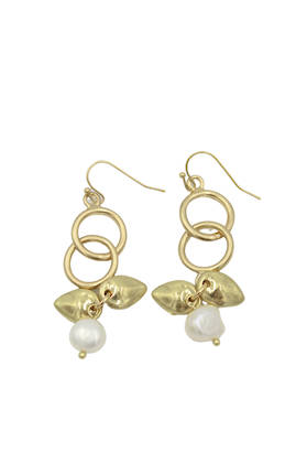 Bud Pearl Earrings