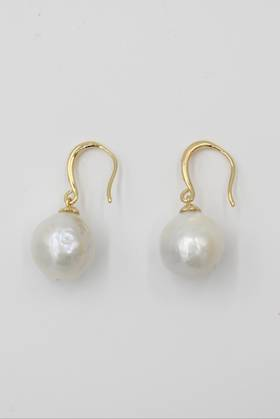 Goldie Pearl Earrings