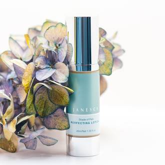 Janesce | Shade Of Pale Perfecting Lotion