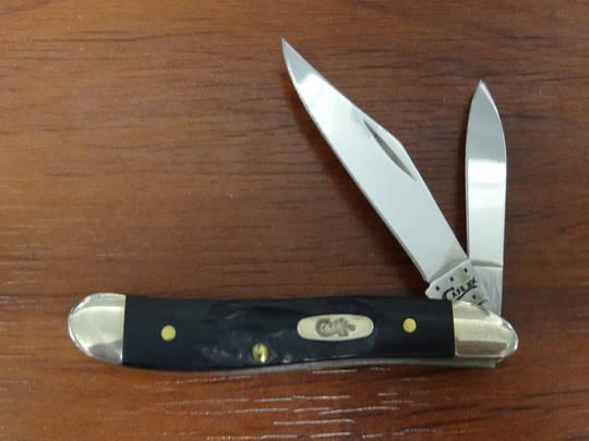 CASE CUTLERY PEANUT, ROUGH BLACK SYNTHETIC HANDLE FOLDING KNIFE - 18225
