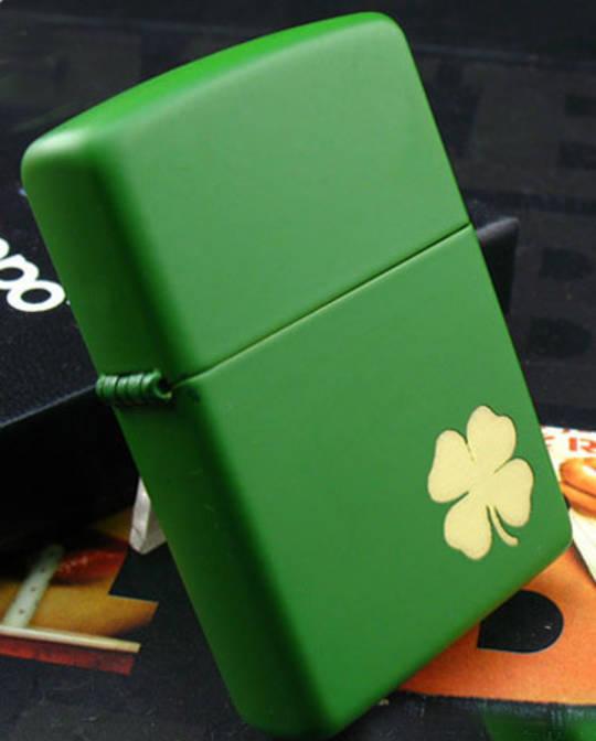 Zippo Shamrock green matte Lighter