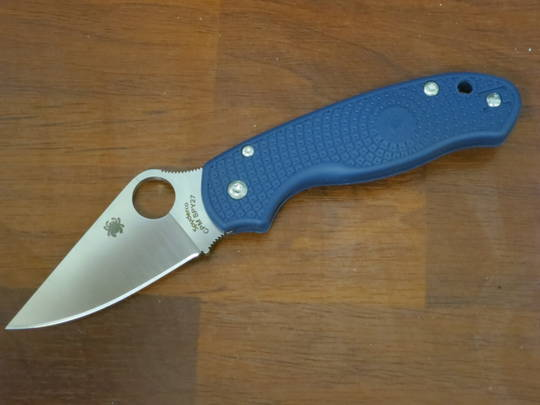 Spyderco Para 3 Lightweight CPM-SPY27 Satin Blade, Cobalt Blue FRN Handles (Paramilitary 3)