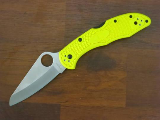 Spyderco Salt 2 Folding Knife H1 Plain Blade, Yellow FRN Handles
