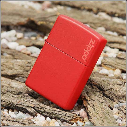 Zippo Red Matte w/ Zippo Logo Lighter
