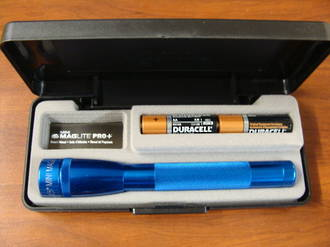 MAGLITE Mini PRO + LED Flashlight 245 Lumens - Blue