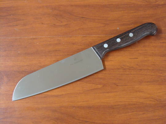 Victorinox Rosewood Santoku Knife 17cm