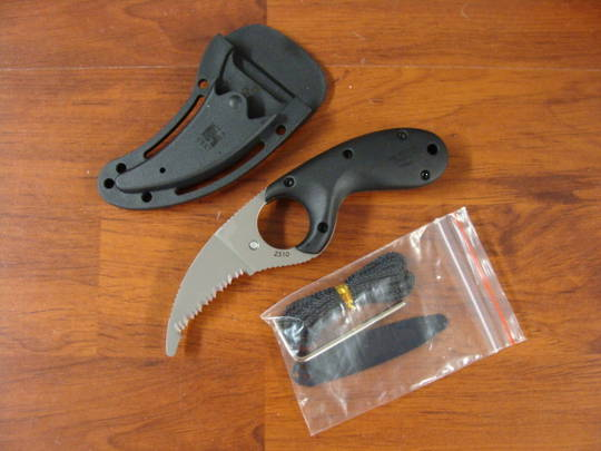 CRKT Kommer Bear Claw Rescue Knife - Serration